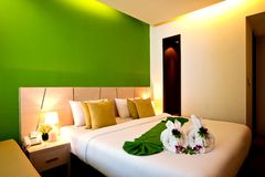 Bedroom Hotel Series 02. Interior of a hotel room with kingsize bed Royalty Free Stock Photos