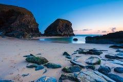 Bedruthan kliver Cornwall England UK Europa arkivbilder