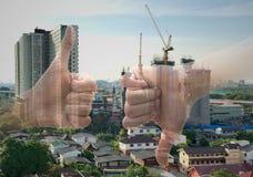 Beduimelt omhoog duimen neer Als en afkeer Ja en Geen concept Royalty-vrije Stock Foto