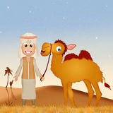Beduin z wielbłądem w pustyni Zdjęcia Royalty Free