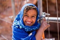 Beduinflicka Petra Jordan Royaltyfria Foton