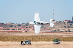 Beechcraft F33A takes off in the Presidents Trophy Air Race Stock Photo