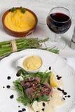 Beef on arugula salad and parmesan Royalty Free Stock Photos