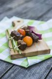 Beef brochettes with tomatos Stock Photography