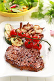 Beef steak with grilled vegetable Royalty Free Stock Photography