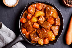 Beef stew in frying pan Royalty Free Stock Photos