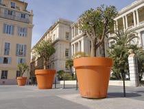 De potten van de bloem in Nice Stock Foto's