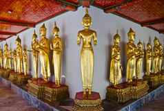 Beeld van Boedha in de tempel van Thailand Royalty-vrije Stock Afbeeldingen