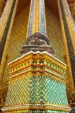 Beeld van Boedha van de tempel van Wat Phra Kaew Stock Foto's