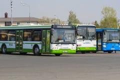 beeld van bussen het parkeren royalty-vrije stock afbeelding