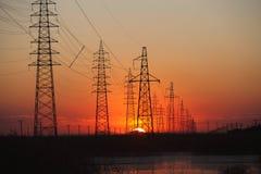 De transmissietoren van de macht stock foto's