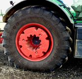 Beeld van een een tractorwiel en Band Royalty-vrije Stock Afbeeldingen