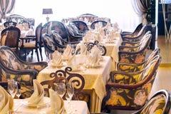 Beeld van gediende lijst in restaurant Royalty-vrije Stock Foto