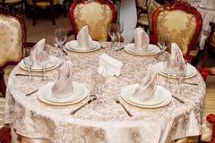 Beeld van gediende lijst in restaurant Royalty-vrije Stock Afbeelding