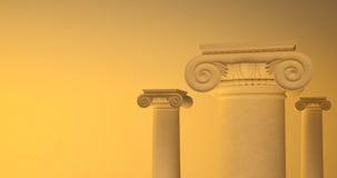 Beeld van grote Griekse kolommen met losse pit royalty-vrije stock afbeeldingen