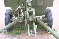 Beeld van het de afdelings anti-tank kanon van fragment Sovjet 76 mm stock fotografie