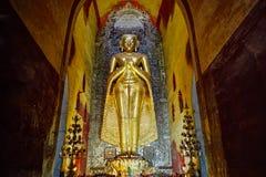 Beeld van Huga het gouden Boedha in Bagan Myanmbar Burma Royalty-vrije Stock Afbeeldingen