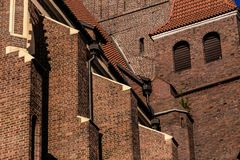 Beeld van kathedraal in ongebruikelijke hoek wordt genomen die Stock Foto's