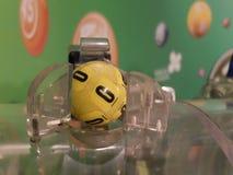 Beeld van loterijballen tijdens extractie Stock Foto's