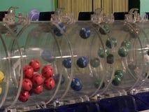 Beeld van loterijballen tijdens extractie Royalty-vrije Stock Afbeelding