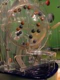 Beeld van loterijballen tijdens extractie Royalty-vrije Stock Afbeeldingen
