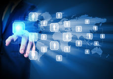 Beeld van mannetje wat betreft pictogram van sociaal netwerk Stock Afbeeldingen