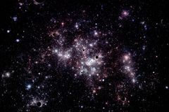 Beeld van sterren en nevelwolken in diepe ruimte Stock Foto's