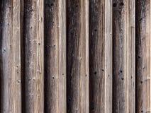 Beeld van symmetrische houten muur met verticale richtlijn royalty-vrije stock afbeeldingen