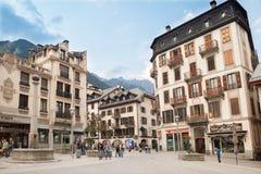 Beeld van vierkant in stad Chamonix Stock Fotografie