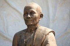 Beeldhouwwerk, architectuur en symbolen van Boeddhisme, Thailand royalty-vrije stock fotografie