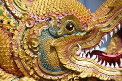 Beeldhouwwerk, architectuur en symbolen van Boeddhisme, Thailand royalty-vrije stock afbeeldingen