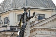Beeldhouwwerk bij Piazza del Popolo Stock Afbeelding