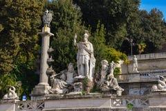 Beeldhouwwerk bij Piazza del Popolo Stock Foto's