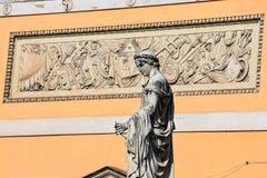 Beeldhouwwerk bij Piazza del Popolo Mensen Stock Afbeelding