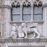Beeldhouwwerk bij Porta-della Carta van het Dogespaleis, Venetië - Italië royalty-vrije stock afbeeldingen