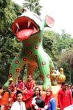 Beeldhouwwerk door Charukala Instituut van Universiteit van Dhaka voor nieuw jaar 1422 van Bangladesh tot viering wordt gemaakt d Royalty-vrije Stock Foto's