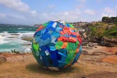 Beeldhouwwerk door het Overzeese tentoongestelde voorwerp in Bondi Australië Royalty-vrije Stock Fotografie