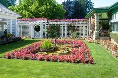 Beeldhouwwerk en fontein bij Tuinen Butchart Royalty-vrije Stock Fotografie