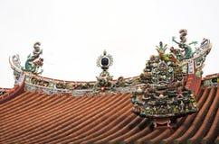 Beeldhouwwerk en snijdend dak van Chinese tempel in George Town Royalty-vrije Stock Fotografie
