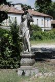 Beeldhouwwerk in het Italiaans tuin stock afbeelding