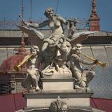 Beeldhouwwerk - Mahen-Theater Brno, Tsjechische republiek Royalty-vrije Stock Foto