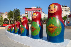 Beeldhouwwerk Matryoshkas - Russische het nestelen poppen Royalty-vrije Stock Afbeeldingen