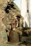 Beeldhouwwerk van een piraat die in de volledige groei van de mens wordt gemaakt royalty-vrije stock foto's