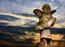 Beeldhouwwerk van engel Stock Fotografie