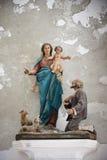 Beeldhouwwerk van Heilige Mary stock afbeeldingen
