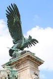 Beeldhouwwerk van Hongaarse turul. Boedapest. stock afbeelding