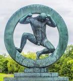 Beeldhouwwerk in Vigeland-park Oslo noorwegen Royalty-vrije Stock Foto's