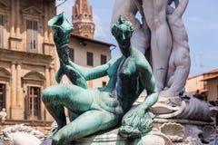 Beeldhouwwerken bij het Standbeeld van Neptunus in Florence stock afbeelding