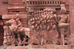 Beeldhouwwerken in Hampi tempel, India stock foto