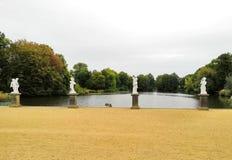 Beeldhouwwerken in het park van Charlottenburg, Berlijn stock foto